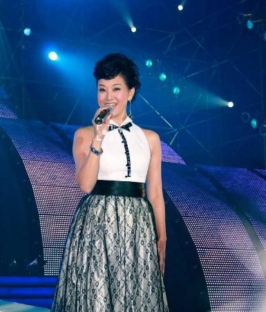 宋祖英陈道明聚餐 她在台下是非常的低调