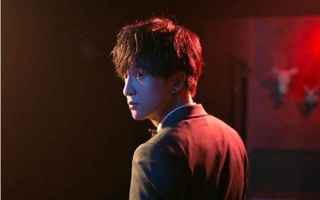 李雨桐的爆料,炸出了薛之谦神奇的明星朋友圈?