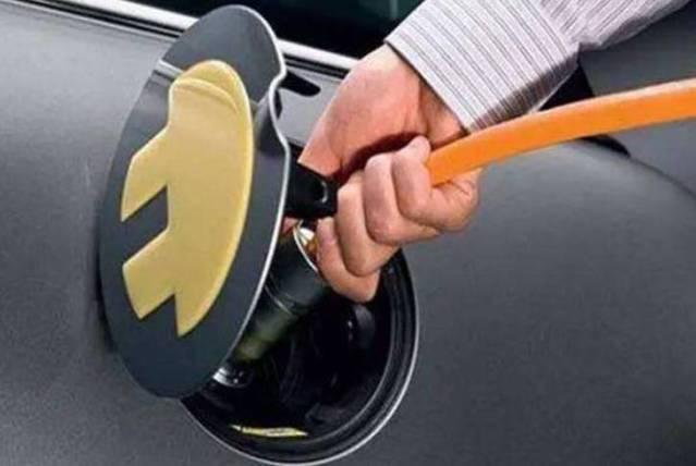 靴子落地前的角力,新能源车企高管变动藏玄机