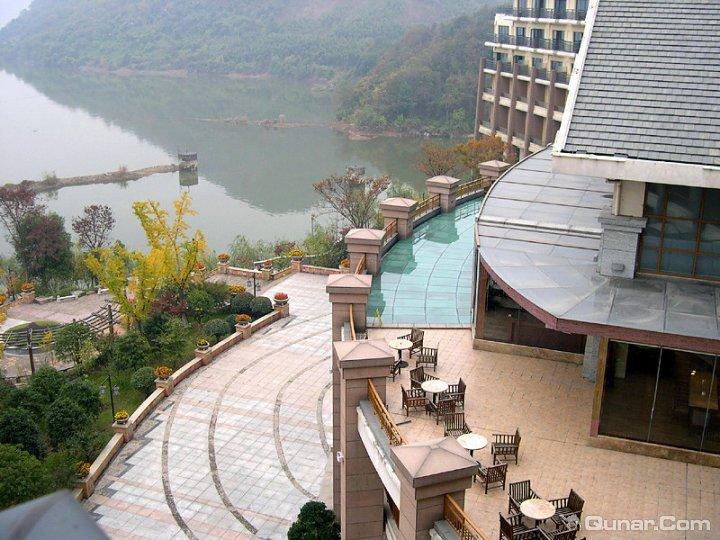 中都青山湖畔大酒店