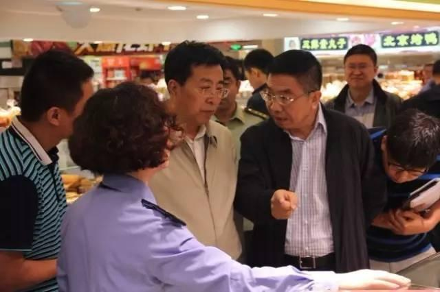市委常委、常务副市长胥波带队深入市场检查食