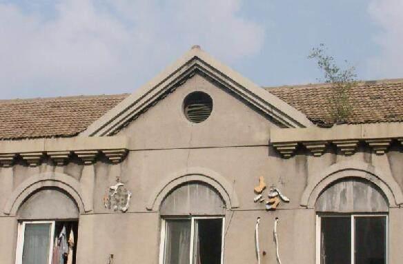 7月刚列入历史建筑初选名录沈阳64岁南塔副食