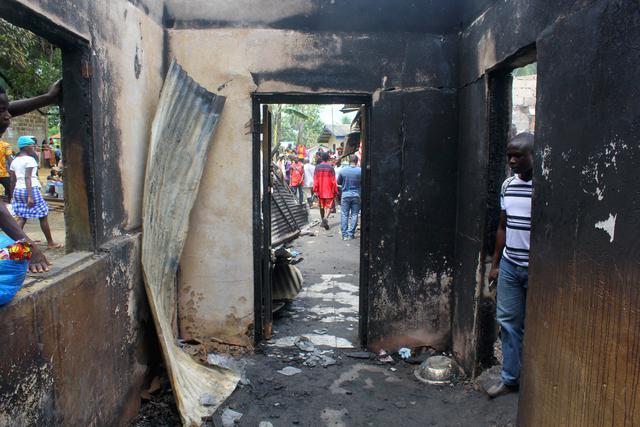 利比里亚一学校发生火灾