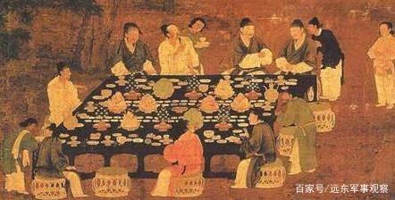 皇帝每天都吃山珍海味,却每个菜都只吃三口,原