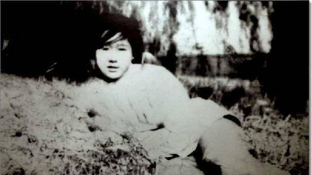 为抗日牺牲的护士美女:用石头砸死日本美女,遗军官考中戏艺图片