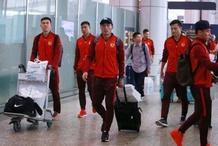 图集 - 恒大返回广州,众多球迷机场接机