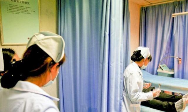 实拍男科女护士:遇到不配合的病人最烦恼_hao