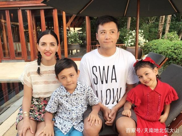 《爸爸去哪儿第3季》6个孩子已长大,刘诺一帅气,邹明轩呆萌可爱