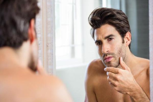 「皮肤突然毛孔粗大是怎么回事」毛孔粗大原因