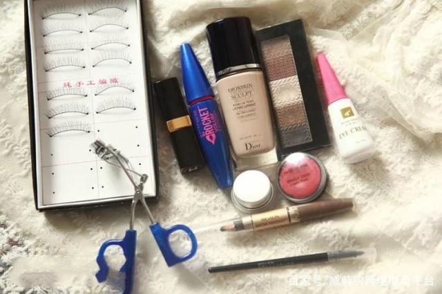 「初学者化淡妆需要哪些化妆品」淡妆需要哪些化妆品