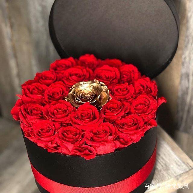 「三十三朵玫瑰大概多少钱」情人节玫瑰花束