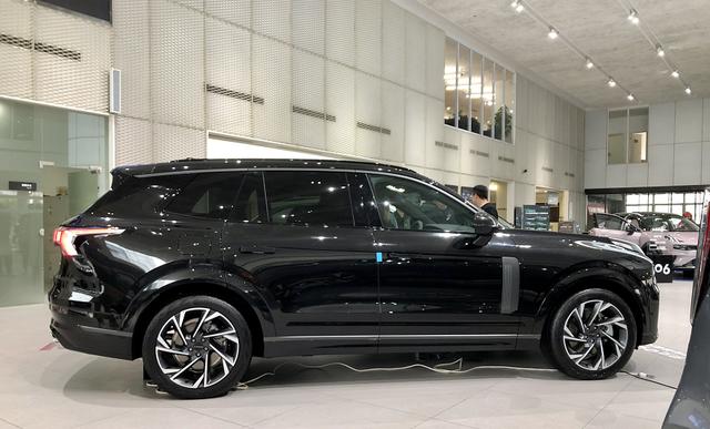 可能是综合素质最强的2.0T中大型SUV!静态实拍领克09-有驾
